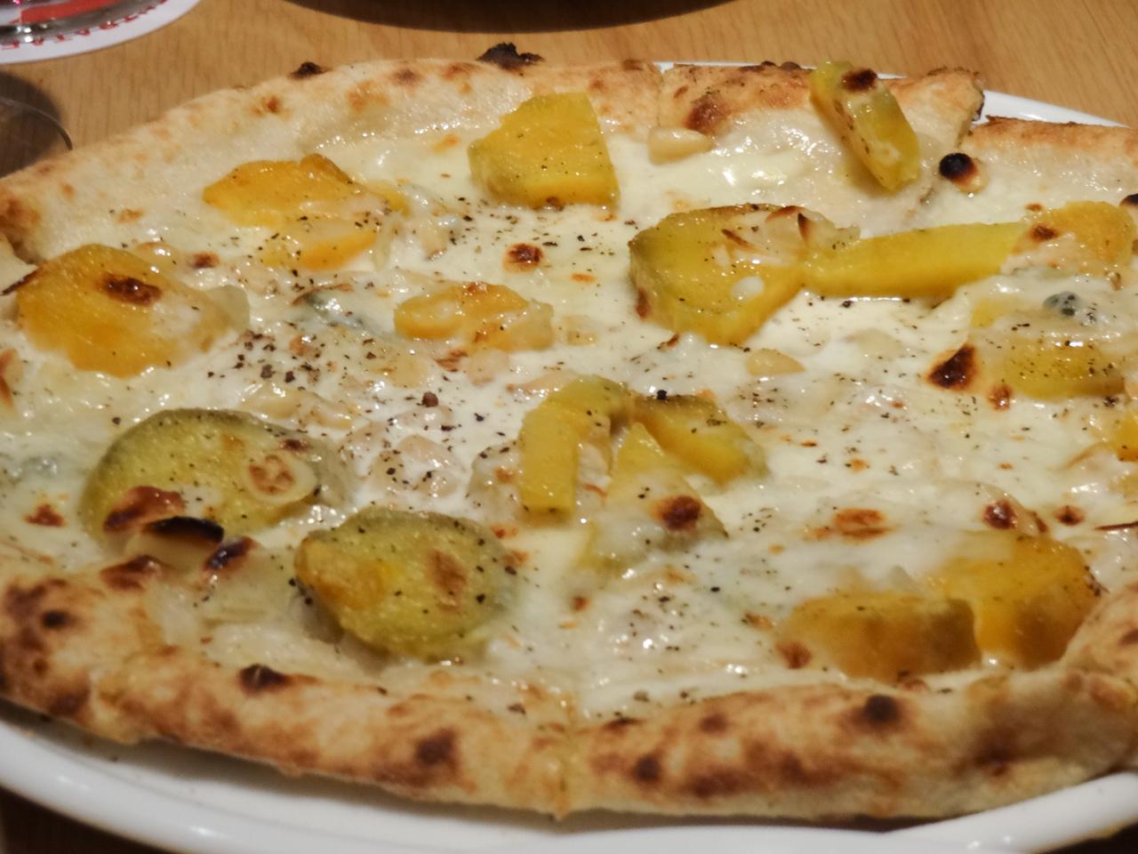 安納芋とゴルゴンゾーラのピッツァ