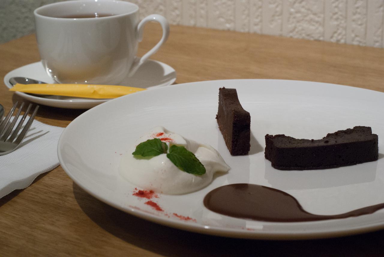 梅田「チョコレート研究所」スイーツレポーターが本気のチョコレート専門カフェをオープン