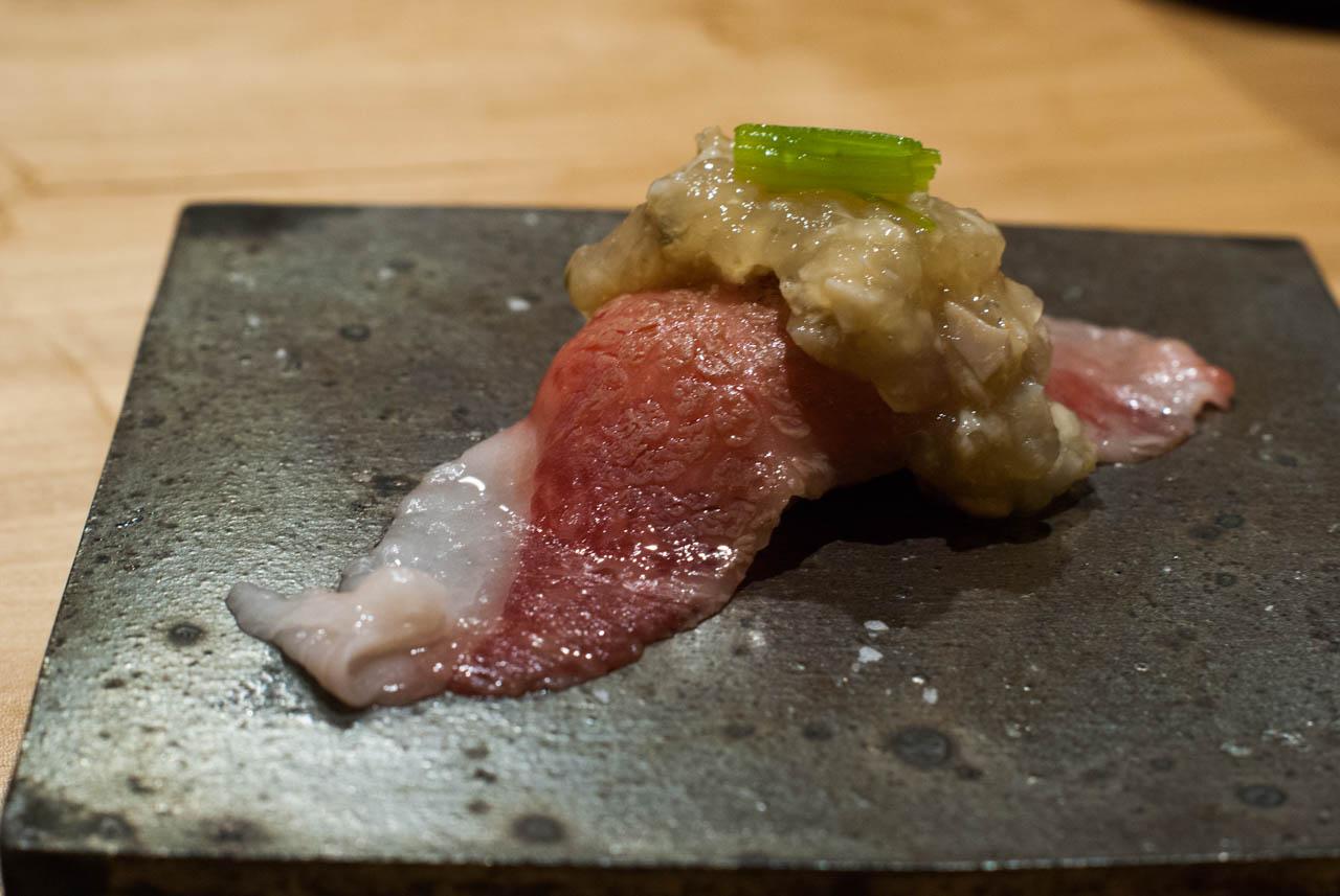 豊後牛ヒウチ炙り寿司