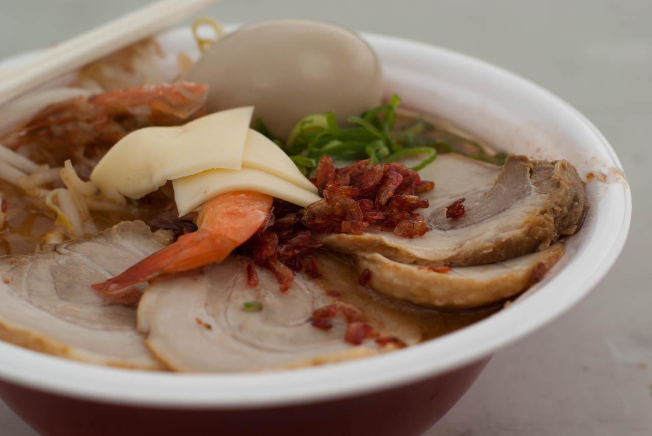 贅沢甘海老 肉盛チャーシュー麺