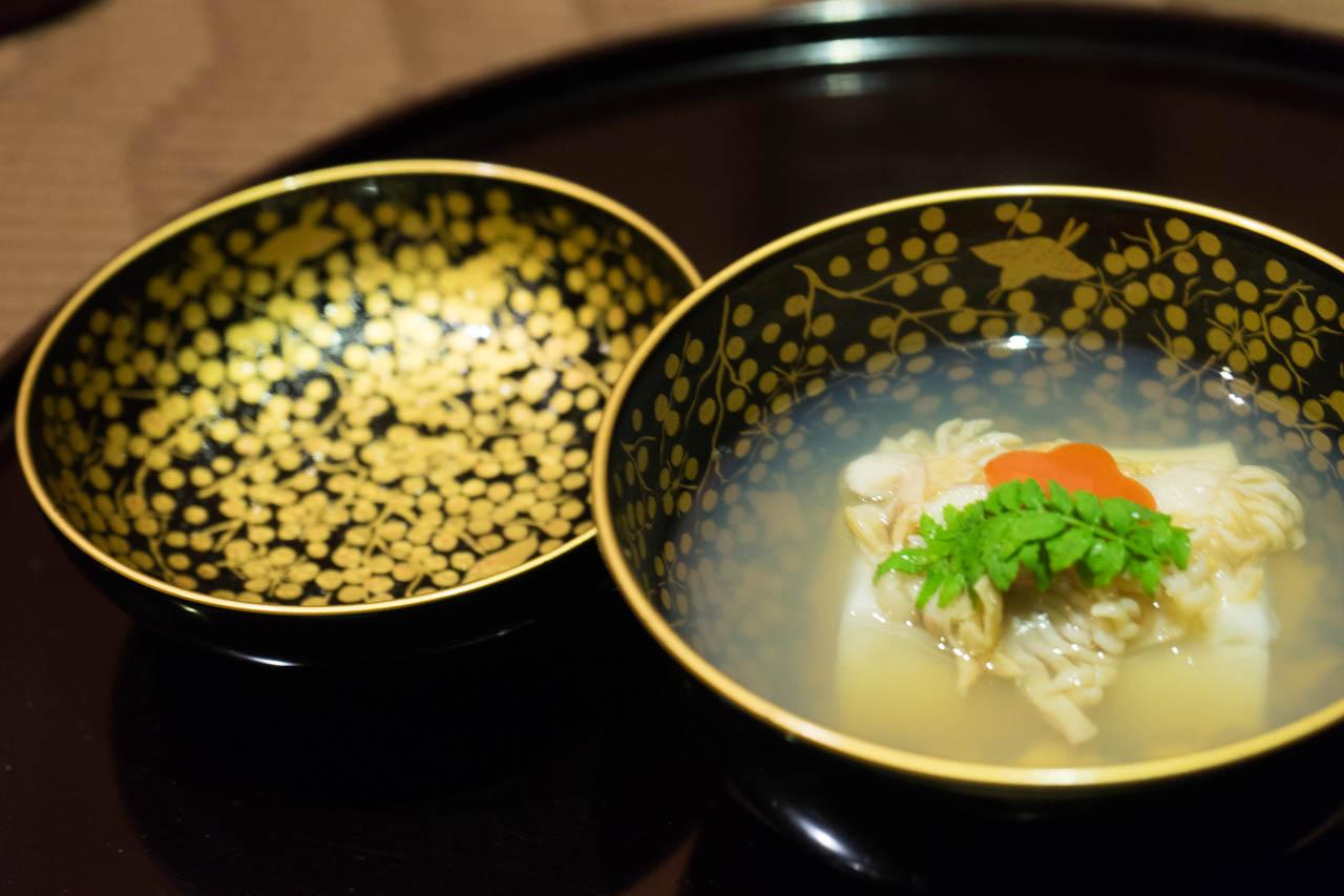 椀物 はまぐりとごま豆腐