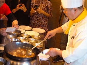 麻婆豆腐 調理中