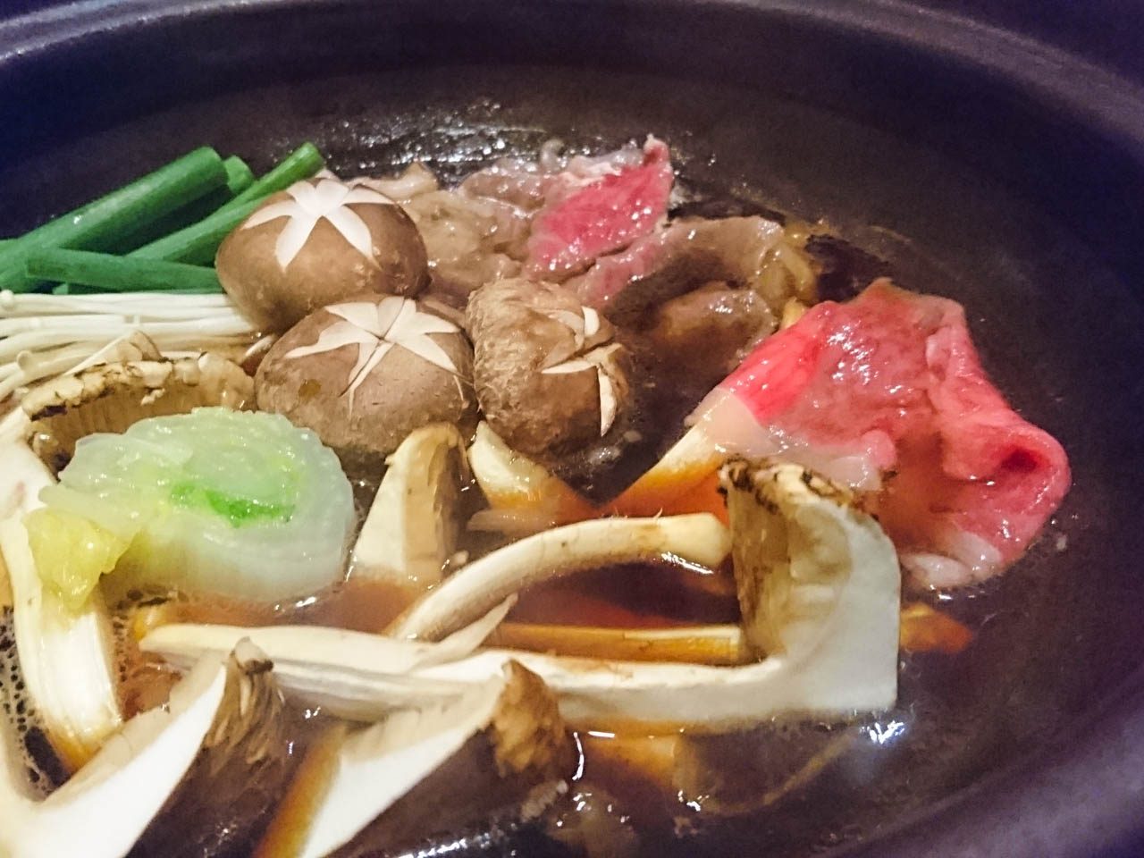黒毛和牛と松茸のすき焼き