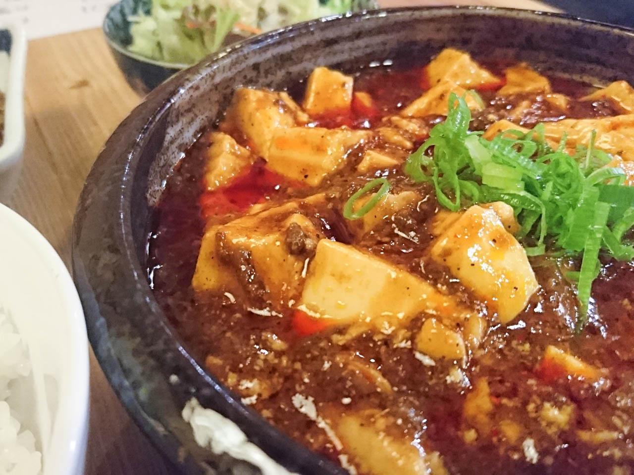 スパンキーな刺激!麻婆豆腐とカレーを同時に味わうお得ランチ@天一「林家α」