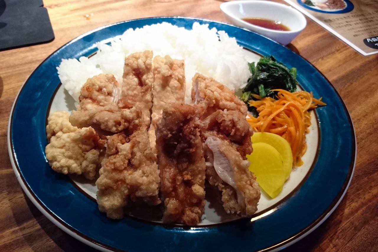 豪快にノッケろ! 唐揚げも野菜も美味いメシ@福島「お昼ごはんnokke」