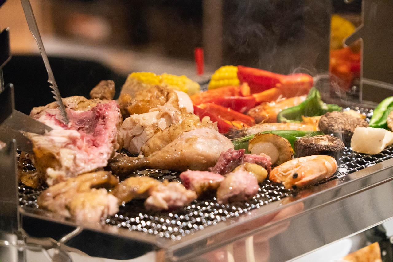塊肉ガッツリの全天候型BBQビアガーデン@梅田「ROOFTOP BEER&GRILL G8」